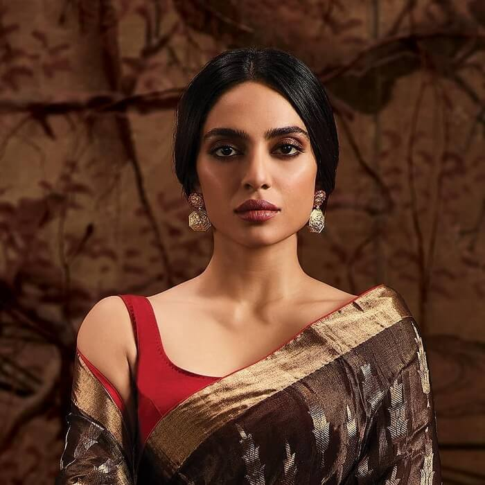 Shobhita-dhulipala-as-tara-made-in-heaven