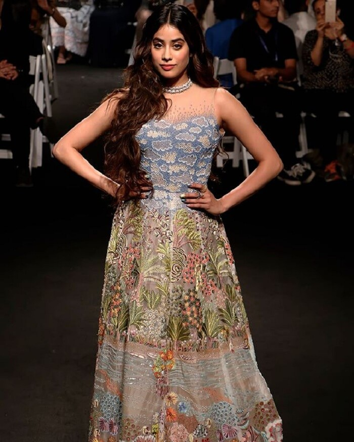 Reliance_Trends_Lakme_Fashion_Week_2020_Summer_Resort_Showstopper_Janhvi_Kapoor