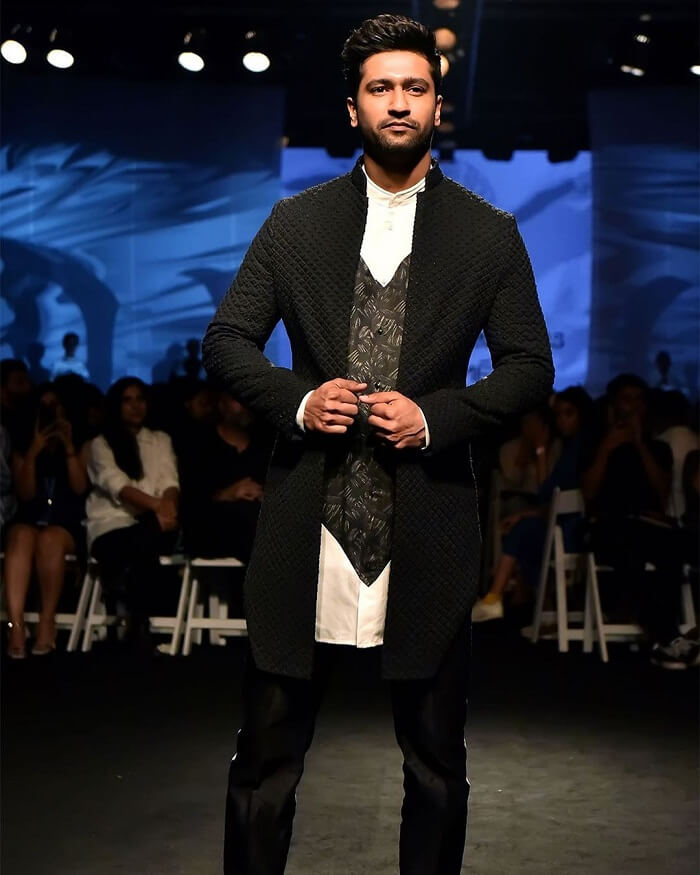 Reliance_Trends_Lakme_Fashion_Week_2020_Summer_Resort_Vicky_kaushal