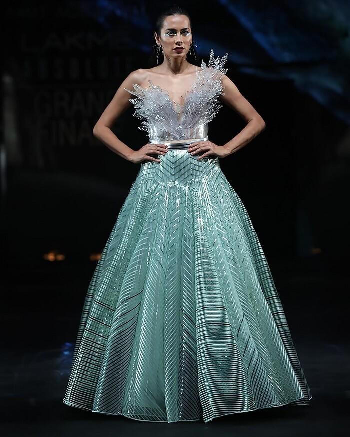 amit-aggarwal-designs-at-lakme-fashion-week-2020