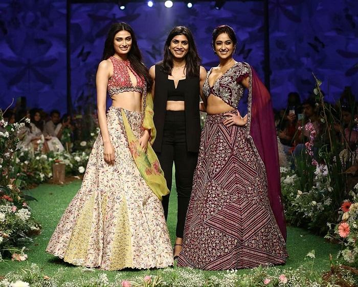 athiya-shetty-and-ileana-dcruz-at-lakme-fashion-week-2020