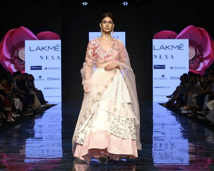 deepa-goel-collection-at-lakme-fashion-week-2020
