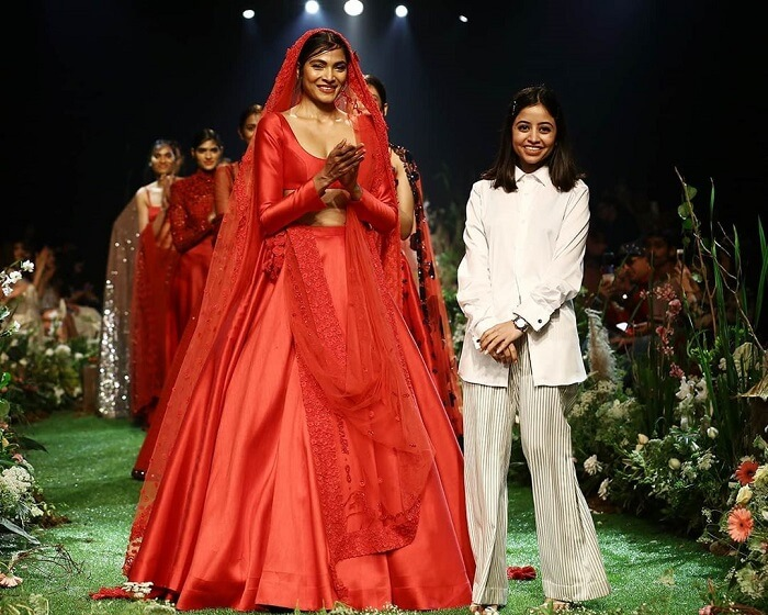 designer-sunaina-khera-at-lakme-fashion-week-2020