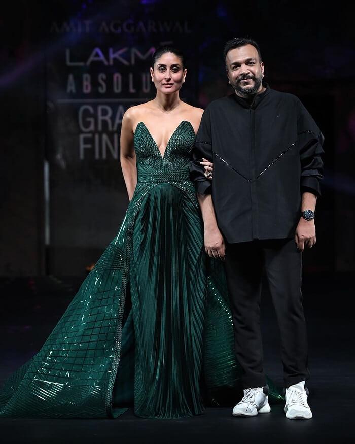 kareena-kapoor-khan-for-amit-aggarwal-at-lakme-fashion-week-2020