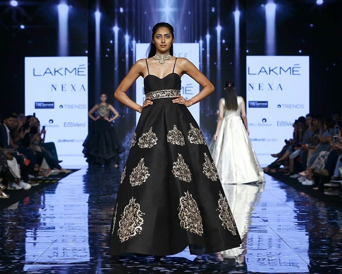 krsna-couture-collection-at-lakme-fashion-week -2020