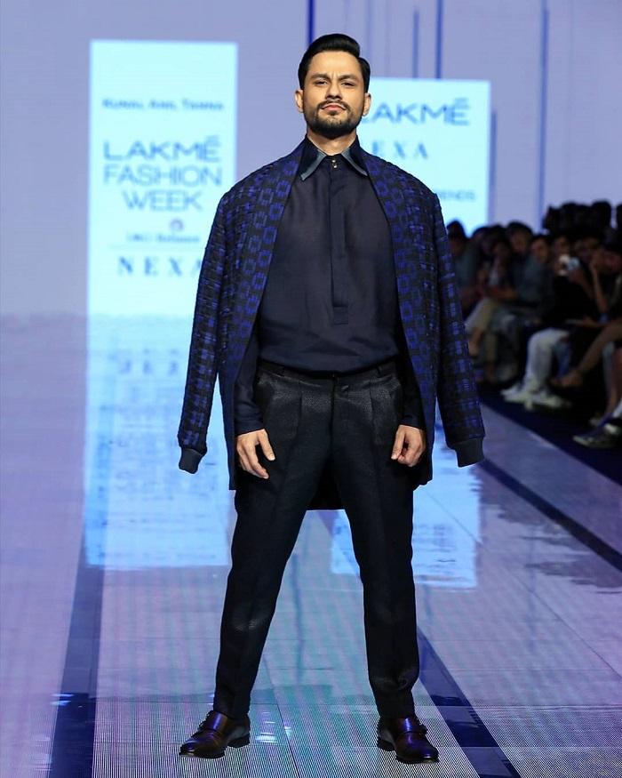 kunal-khemu-at-lakme-fashion-week-2020