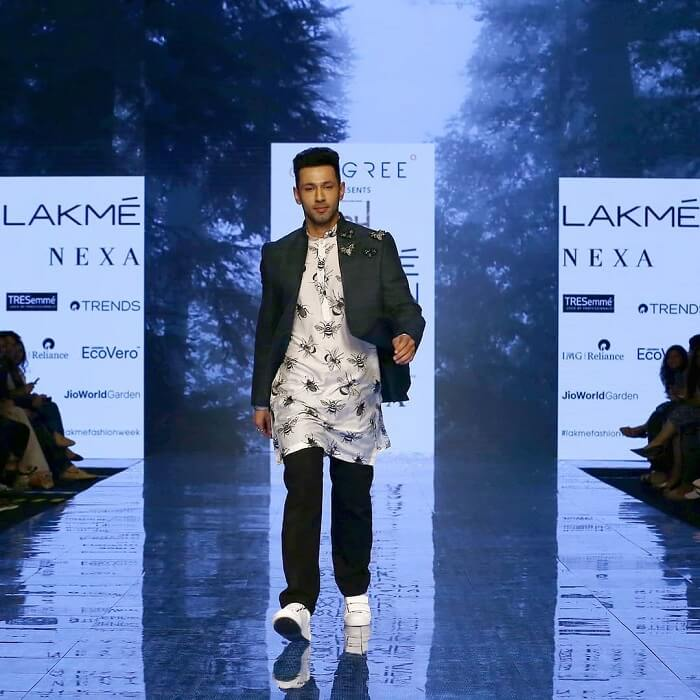 sahil-anand-for-pearl-and-hariom-at-lakme-fashion-week-2020