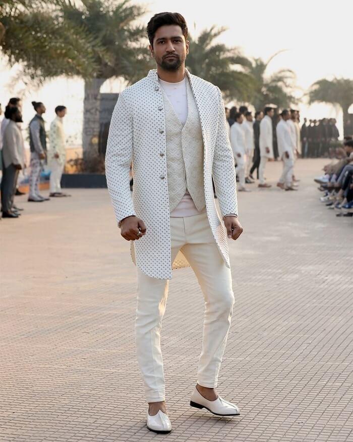 vicky-kaushal-at-lakme-fashion-week-2020